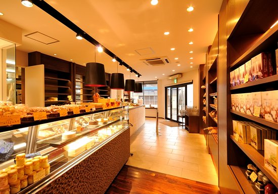 Bakery sweets shop picot